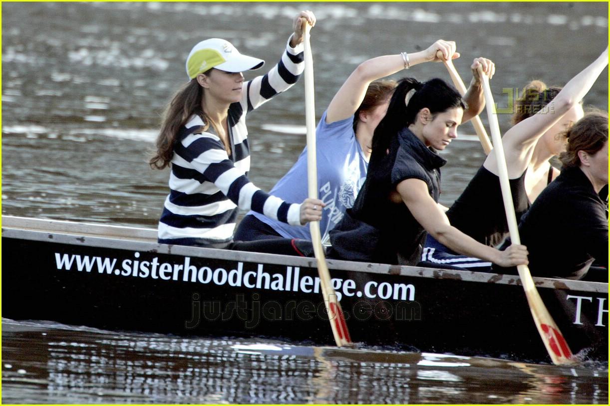 kate-middleton-dragon-boat-09.jpg