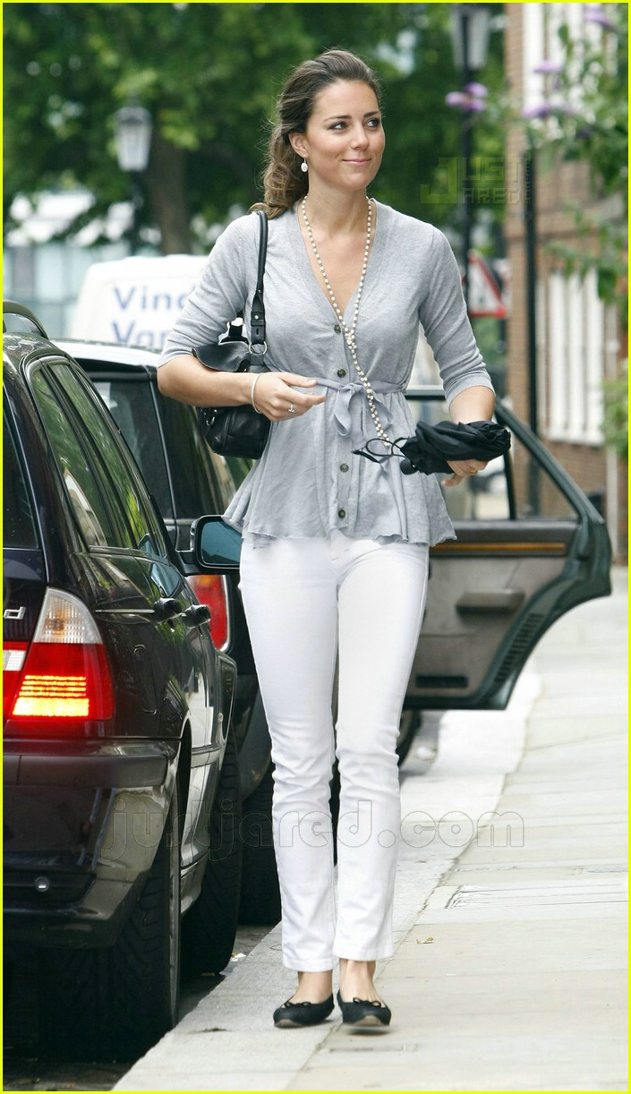 kate middleton white jeans 04