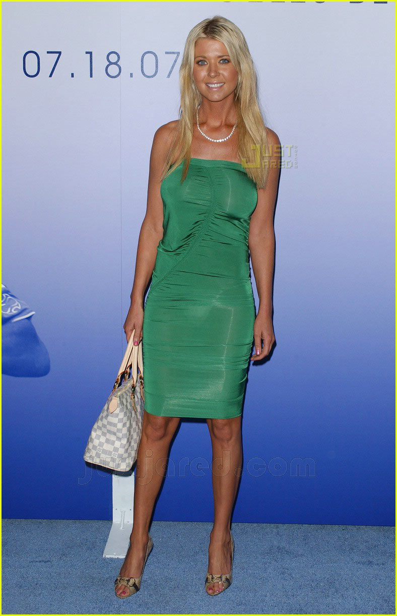 Tara Reid - Boobpedia - Encyclopedia of