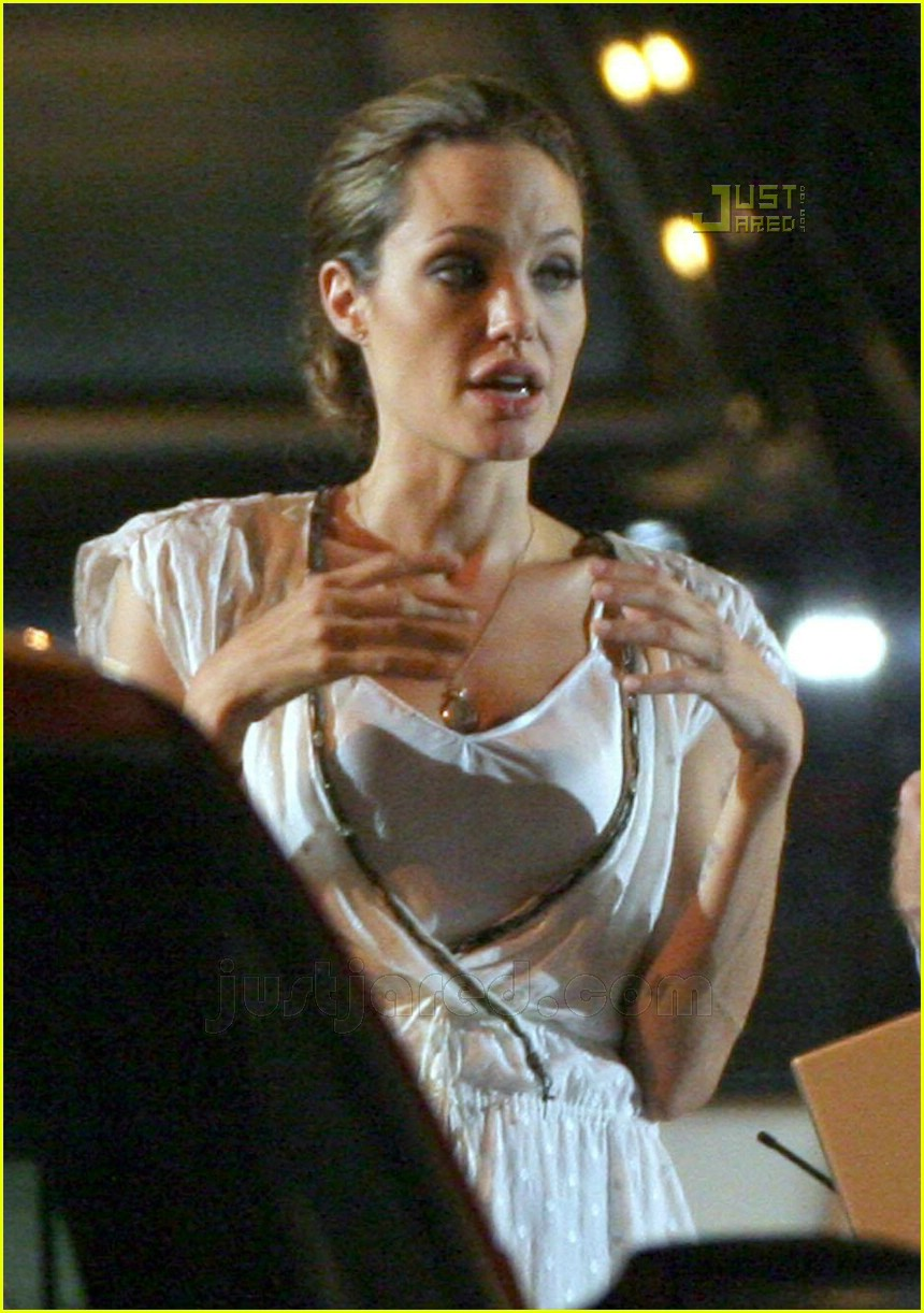 angelina jumps into a hot ride: photo 527231 | angelina jolie