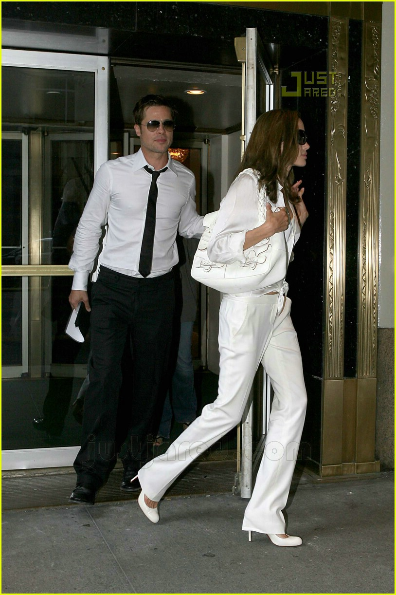 brad angelina hamptons dinner 03546341