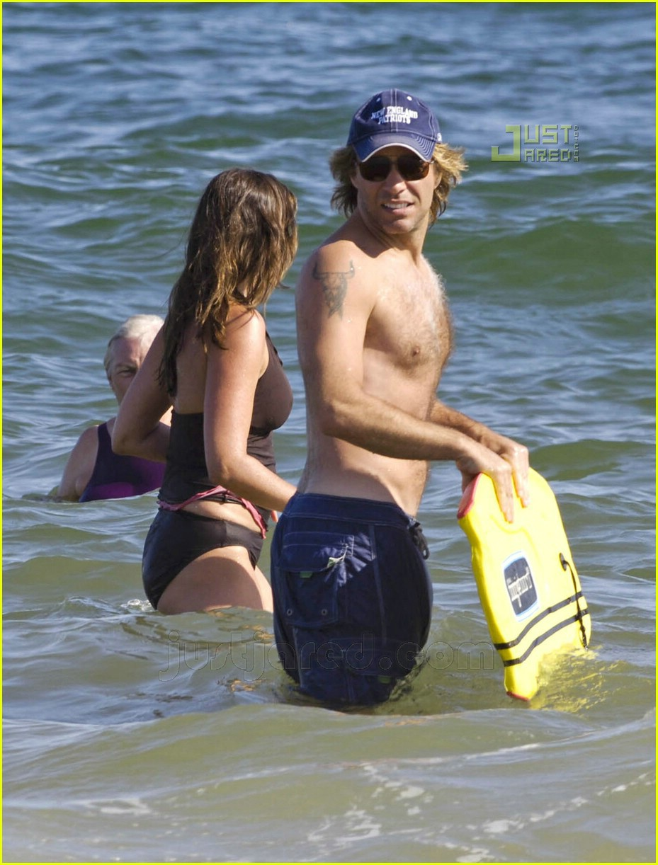 bon jovi shirtless 10531901