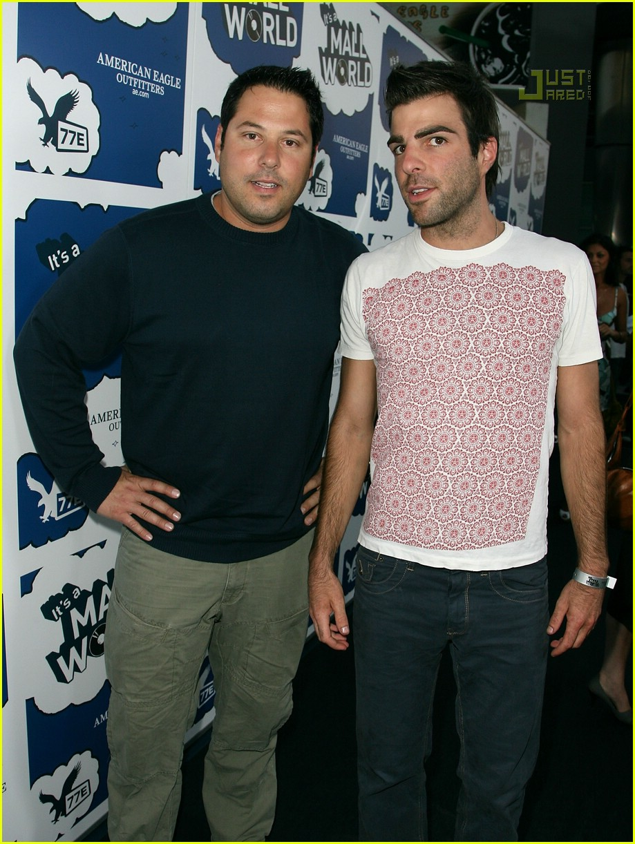 zachary quinto its a mall world premiere 01515761