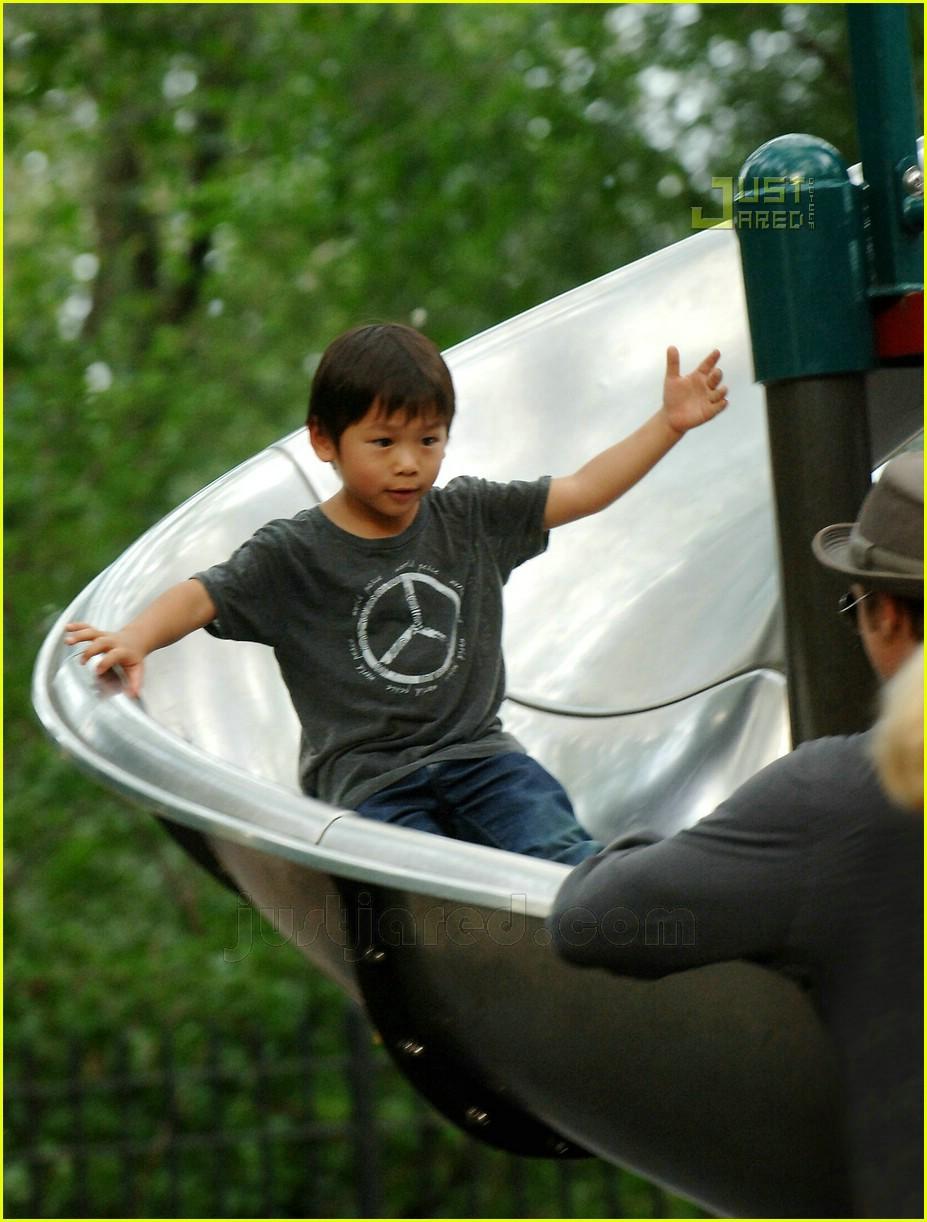 brad pitt kids playground 07547471