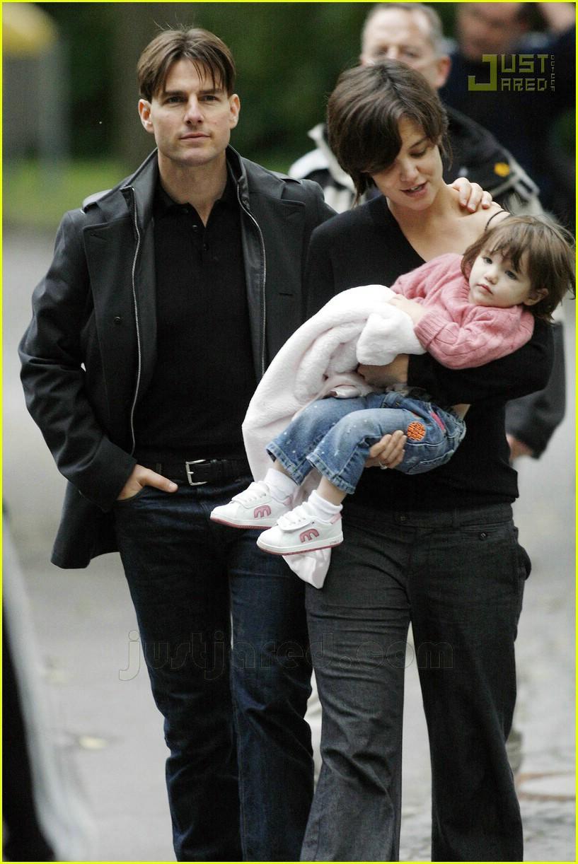 Full Sized Photo of su... Tom Cruise