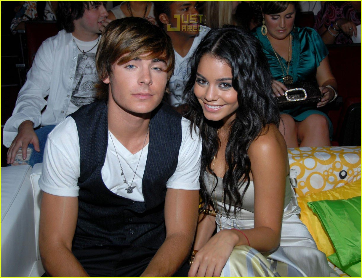 Zanessa @ Teen Choice Awards 2007