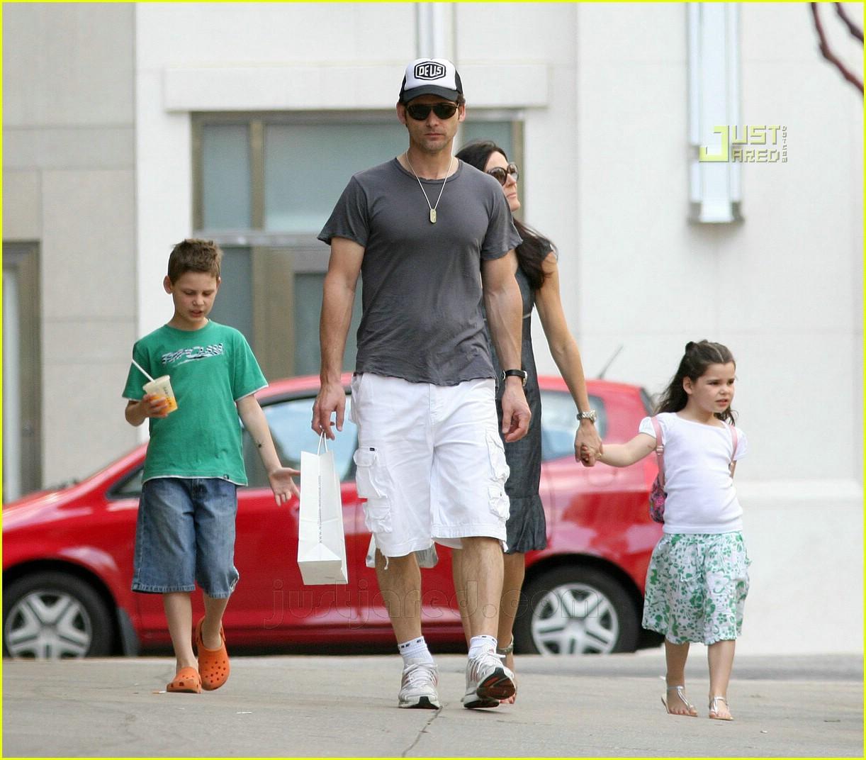 Эрик бана и его дети фото