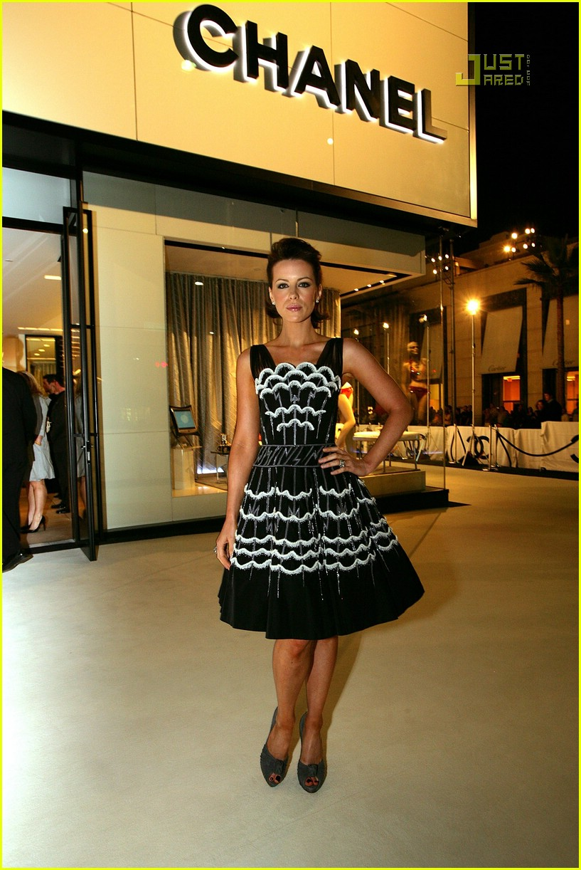 kate beckinsale chanel party 12609651