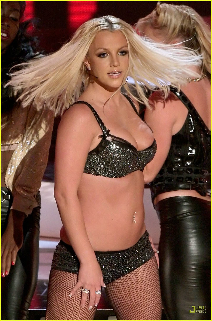 Britney Spears VMAs 2007 Performance