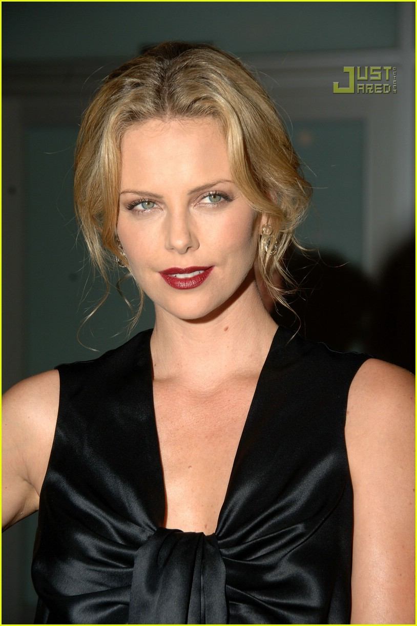 charlize theron in the valley of elah premiere 14588221