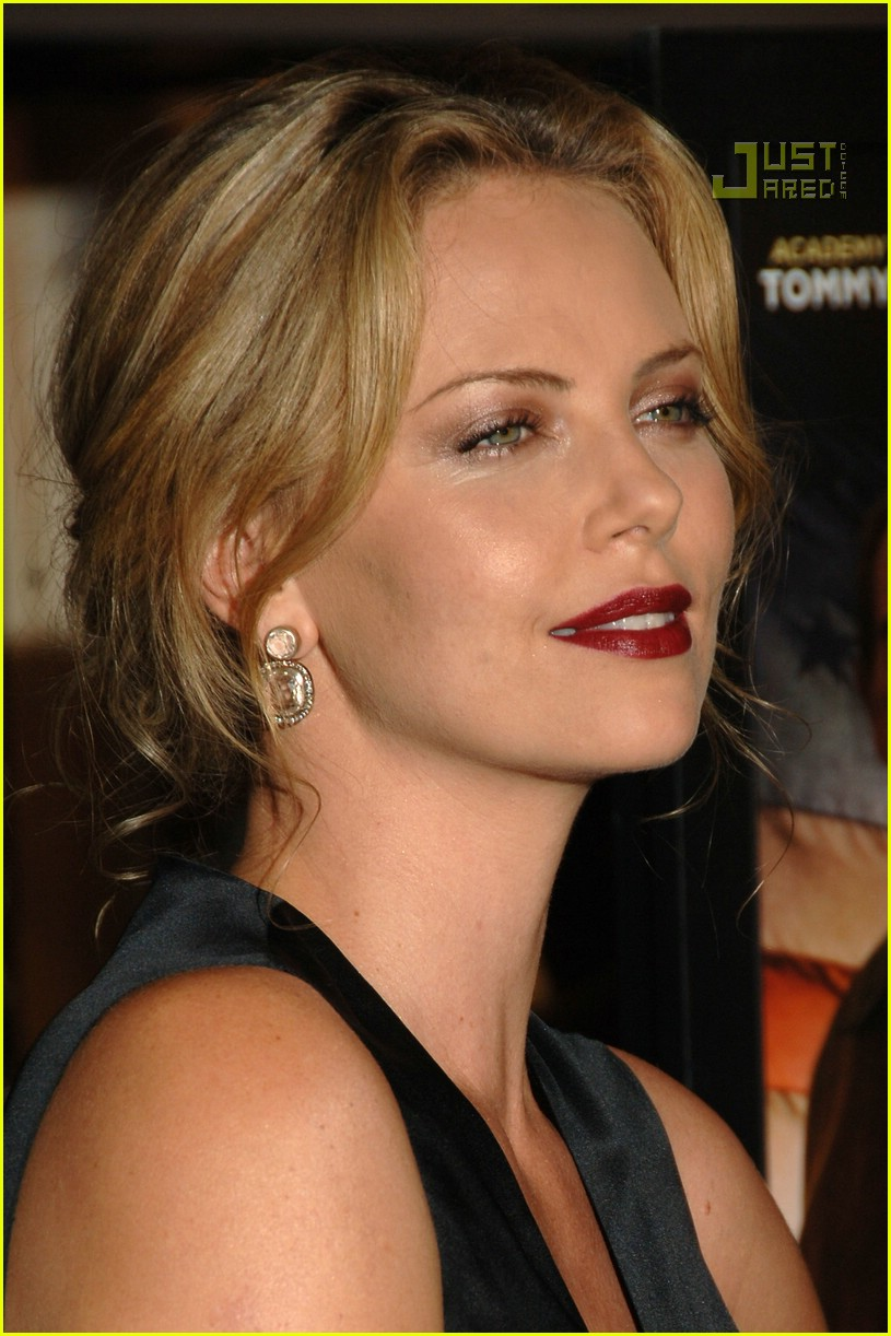 charlize theron in the valley of elah premiere 15588231