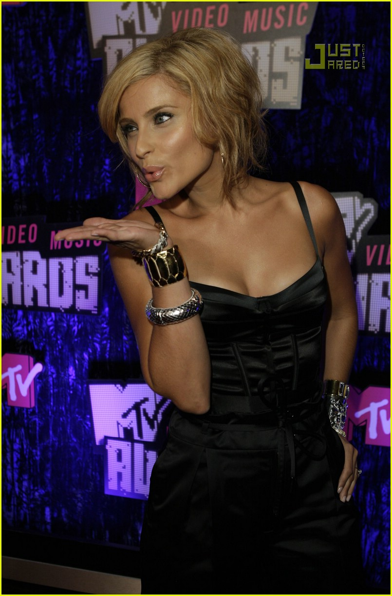Nelly Furtado VMAs 2007
