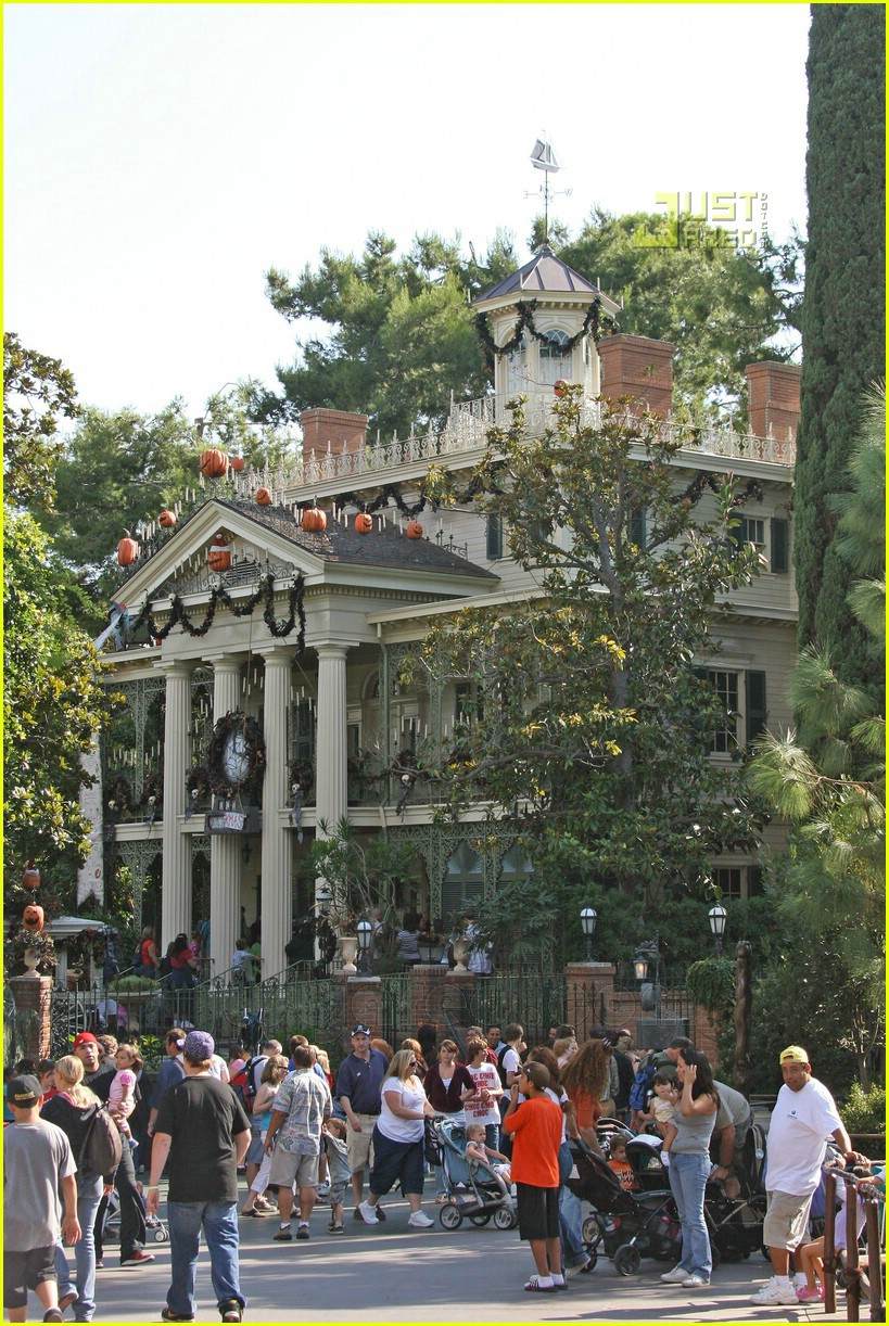 harrison ford disneyland 11