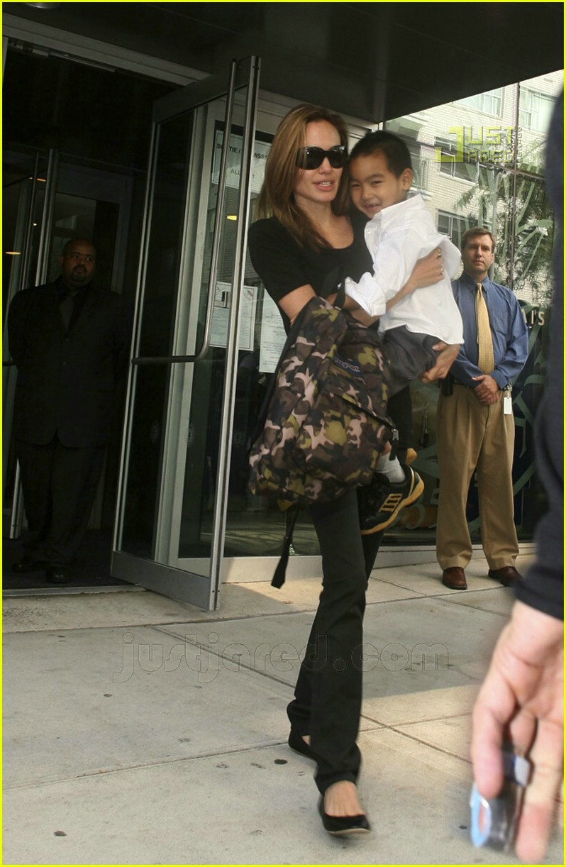 angelina jolie carrying maddox 01