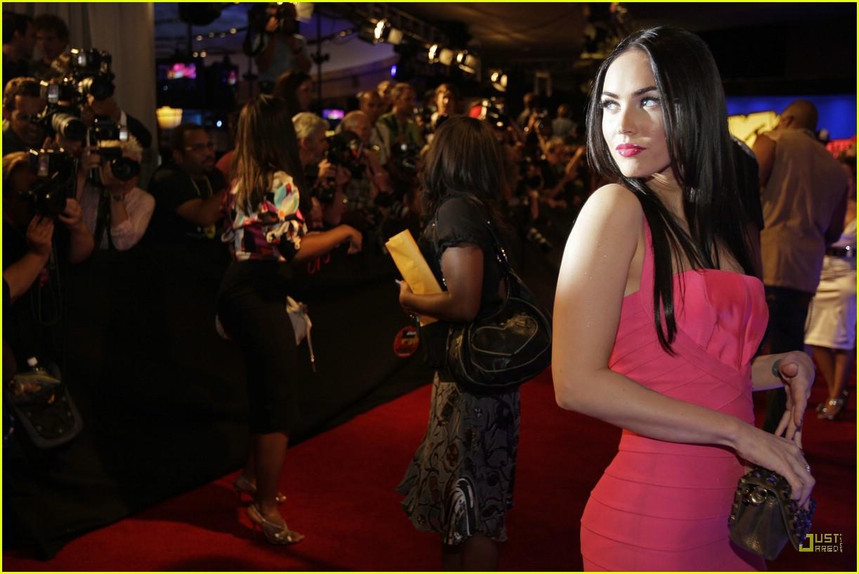 Megan Fox @ VMAs 2007:...