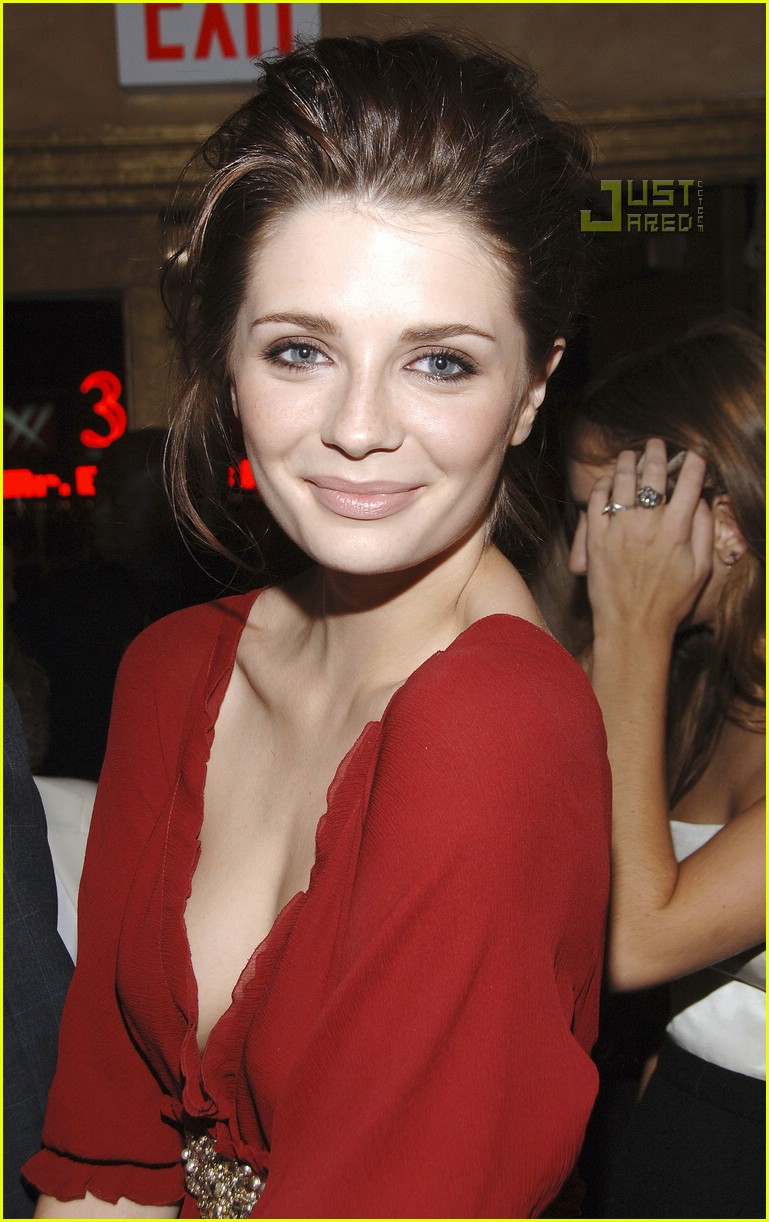 Mischa Barton @ NY Fashion Week 2007