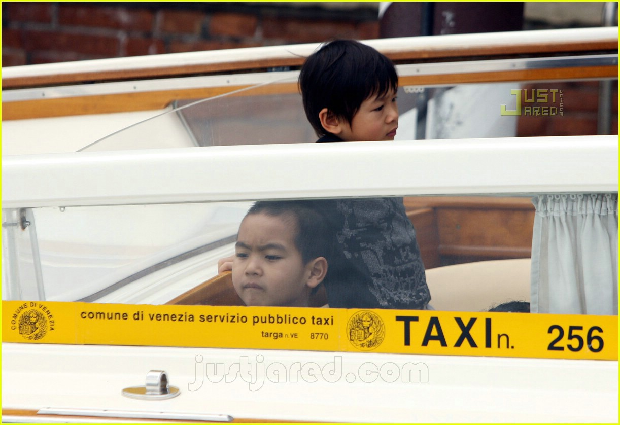 brad angelina water taxi ride 13