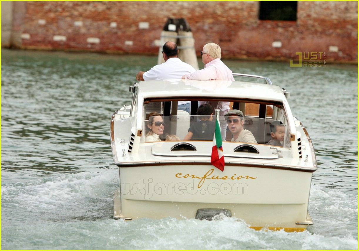 brad angelina water taxi ride 14