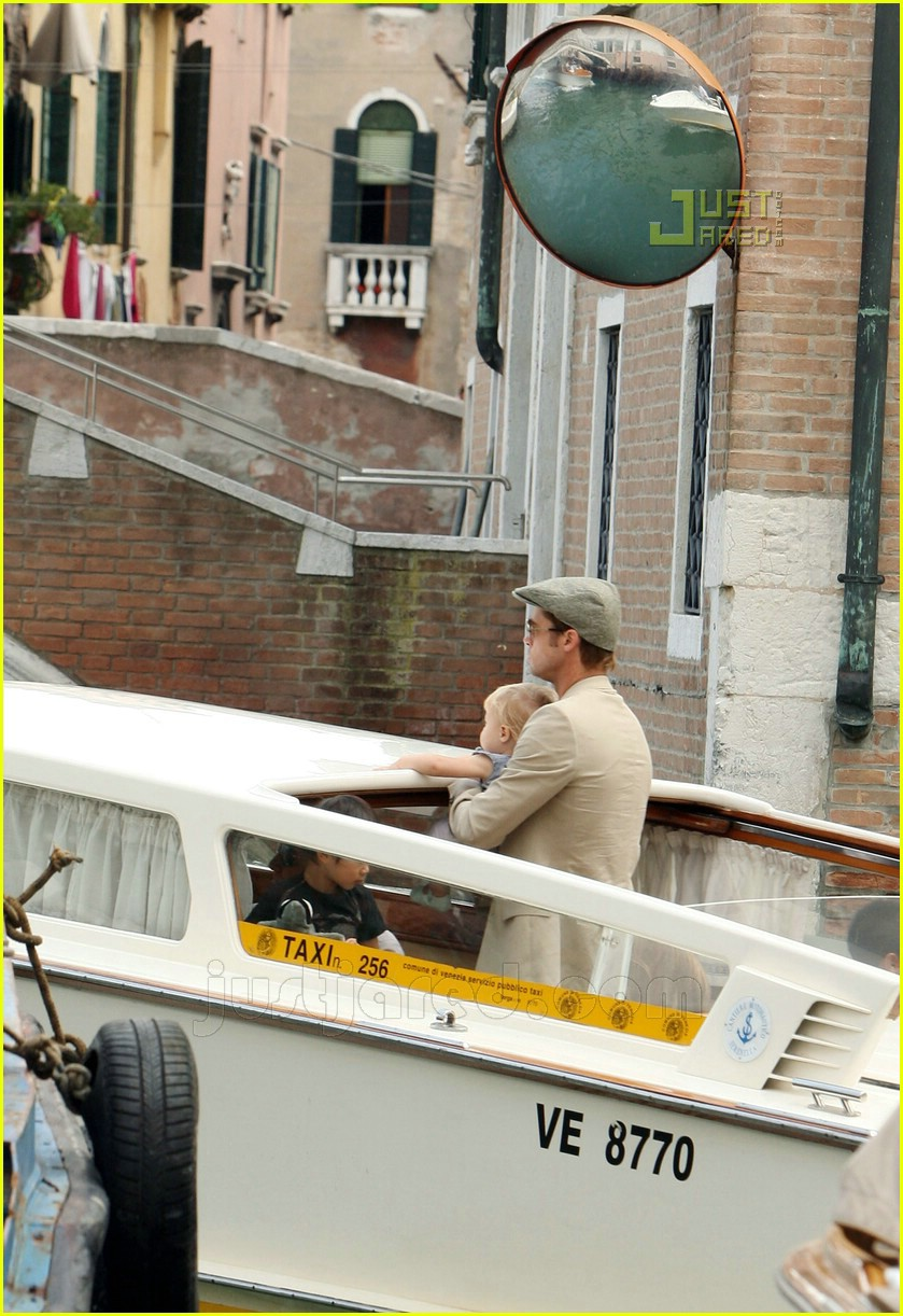 brad angelina water taxi ride 19562111
