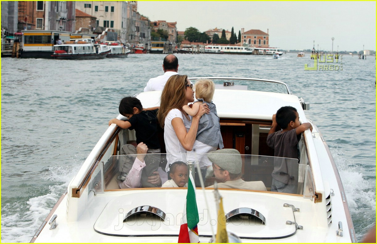 brad angelina water taxi ride 23562151