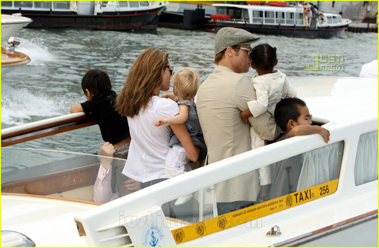 brad angelina water taxi ride 24