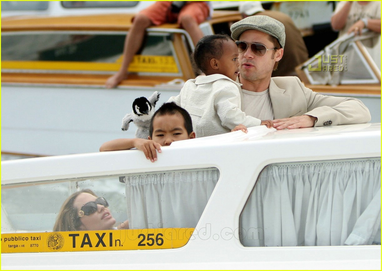 brad angelina water taxi ride 26562181