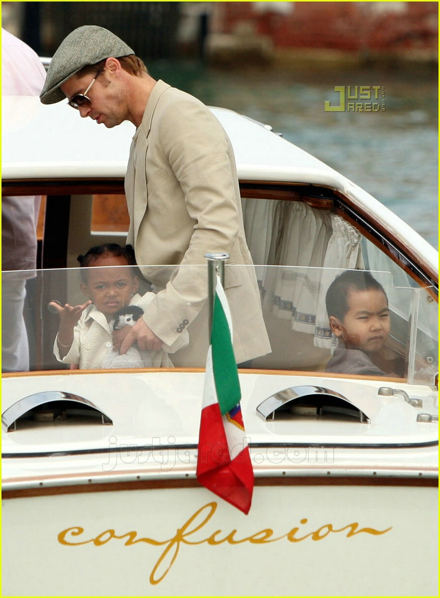 brad angelina water taxi ride 29