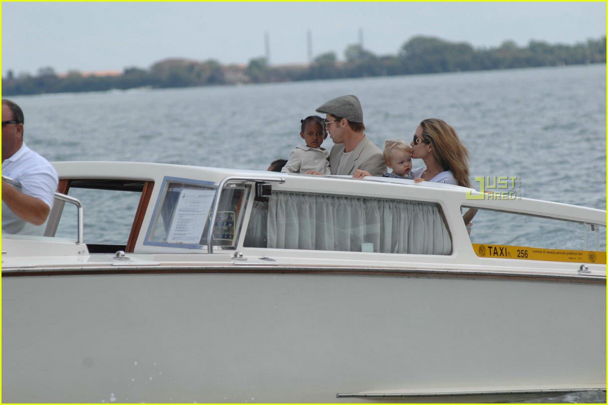 brad angelina water taxi ride 49a