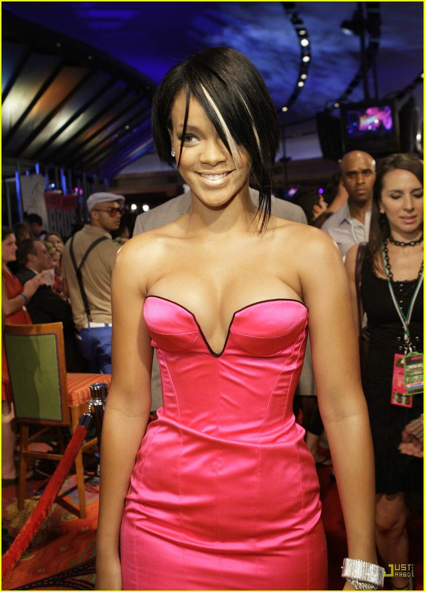 Rihanna VMAs 2007 Photo 576121