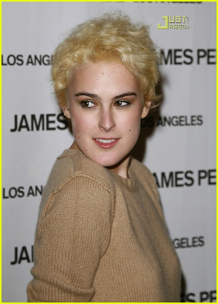 rumer willis poofy blonde hair 08