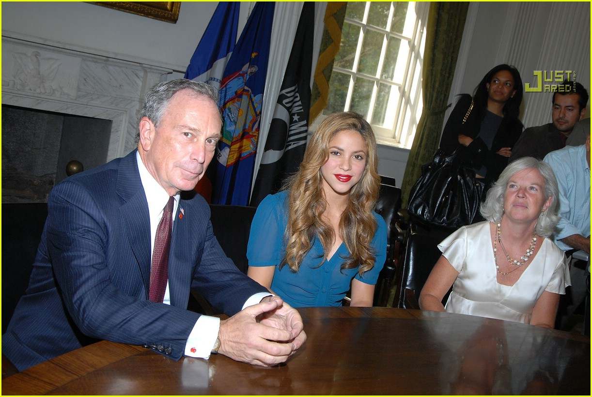 shakira mayor bloomberg 02619031