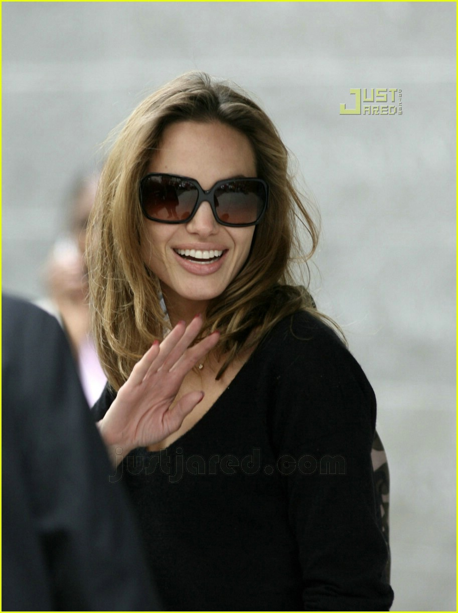 fd4fea1ba33f Angelina Jolie is a Manhattan Mom: Photo 627101 | Angelina Jolie ...