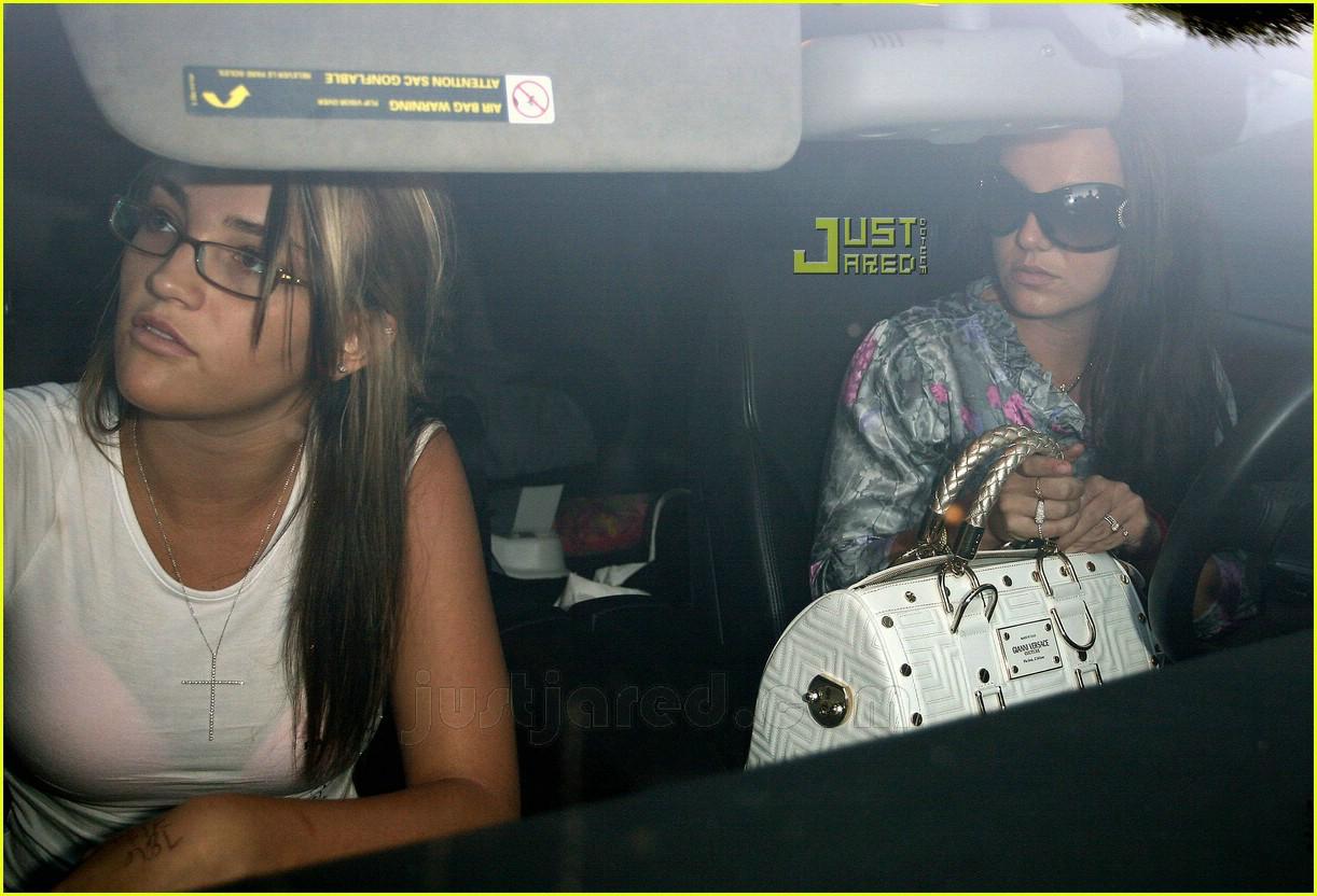 Britney Jamie Lynn Sister Sister Bonding Photo 643061 Britney Spears Jamie Lynn Spears Pictures Just Jared