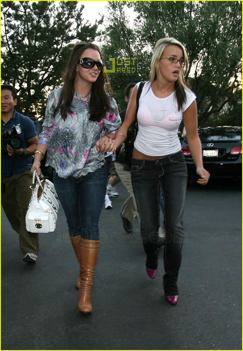 Britney Jamie Lynn Sister Sister Bonding Photo 643121 Britney Spears Jamie Lynn Spears Pictures Just Jared