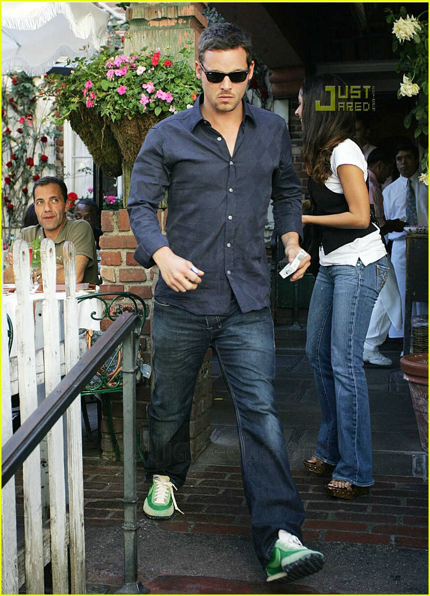 justin chambers grabs lunch at the ivy  photo 638821