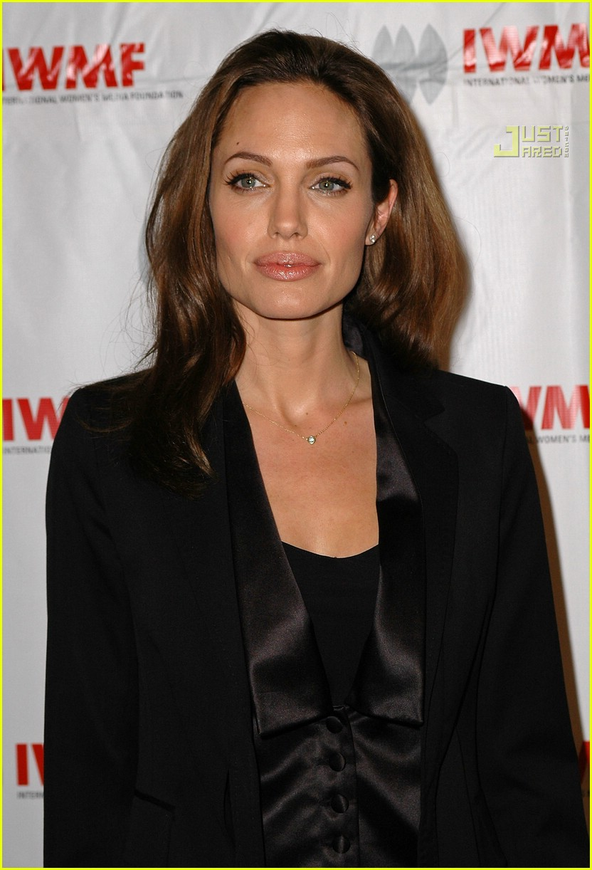 angelina jolie journalism awards 2007 01698281