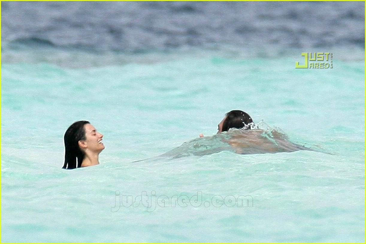 penelope cruz javier bardem maldives 34650281