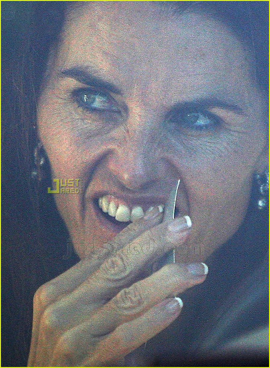 maria shriver picking teeth 10636381