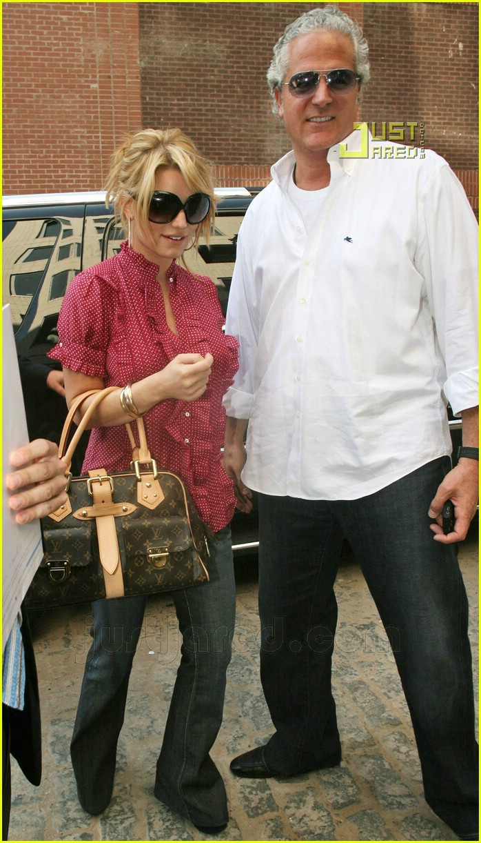 jessica simpson apartment hunting 07