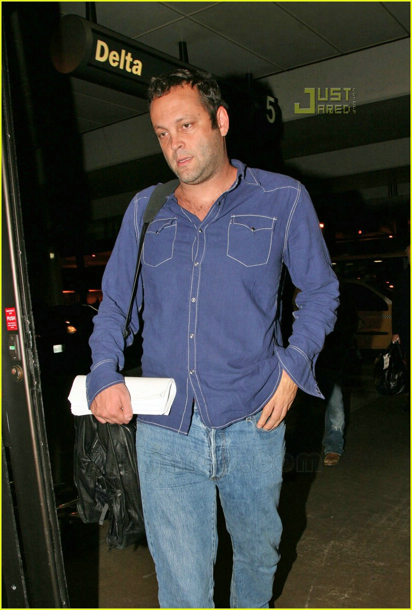 vince vaughn lax airport 04659391