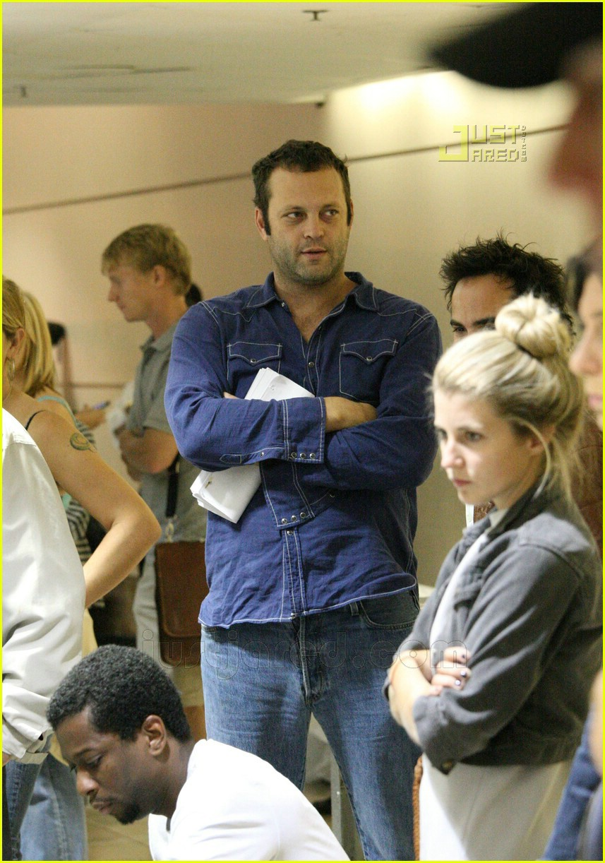 vince vaughn lax airport 05659401