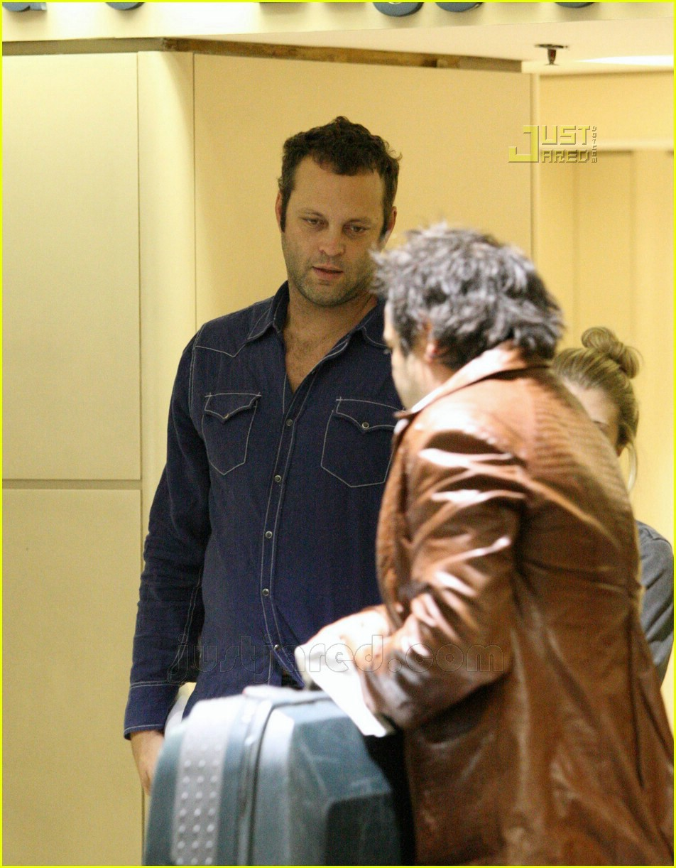 vince vaughn lax airport 07659421