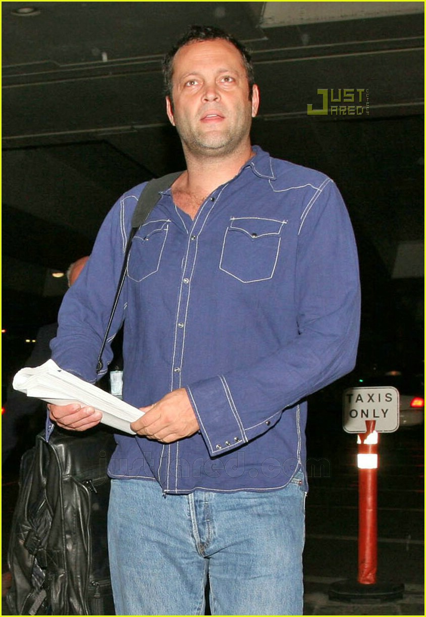vince vaughn lax airport 14659491