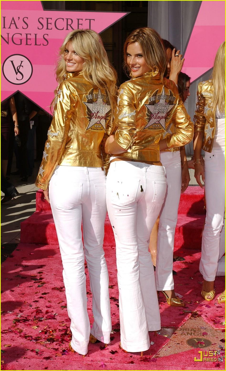 alessandra ambrosio victorias secret fashion show 2007 03734881
