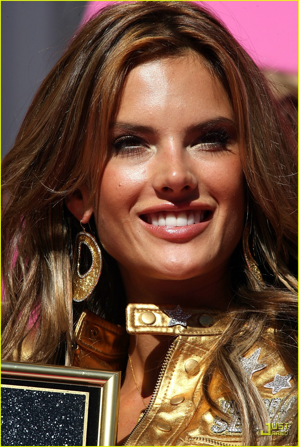 alessandra ambrosio victorias secret fashion show 2007 19735041