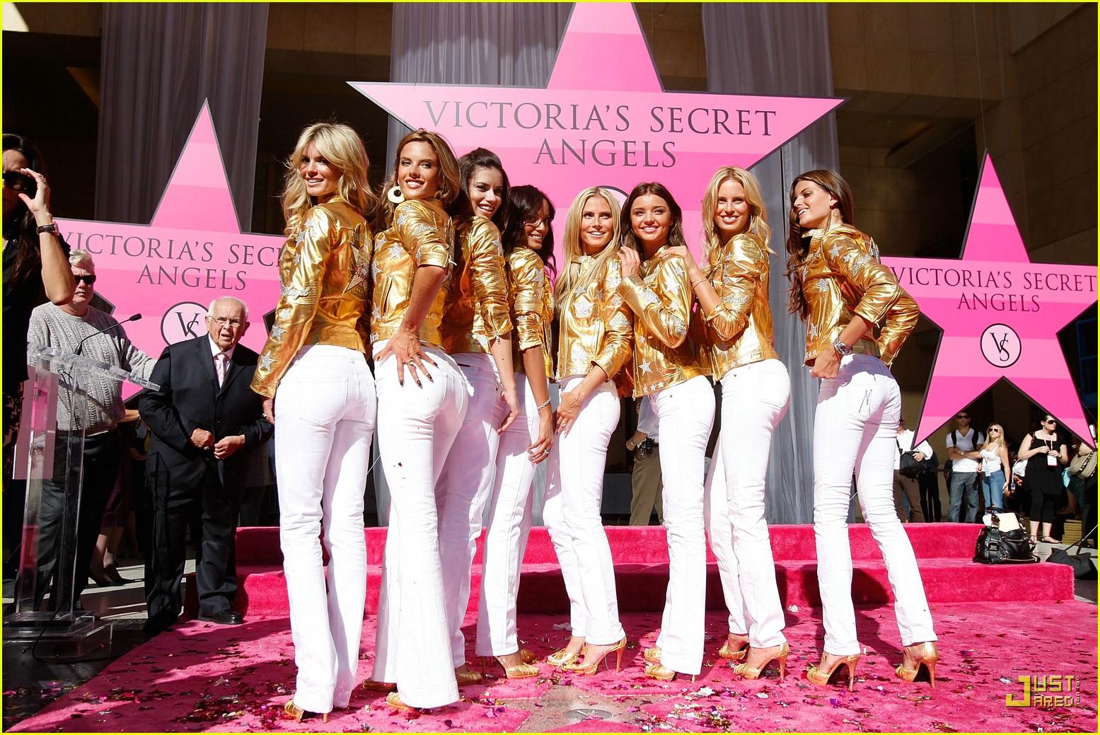 alessandra ambrosio victorias secret fashion show 2007 22735071