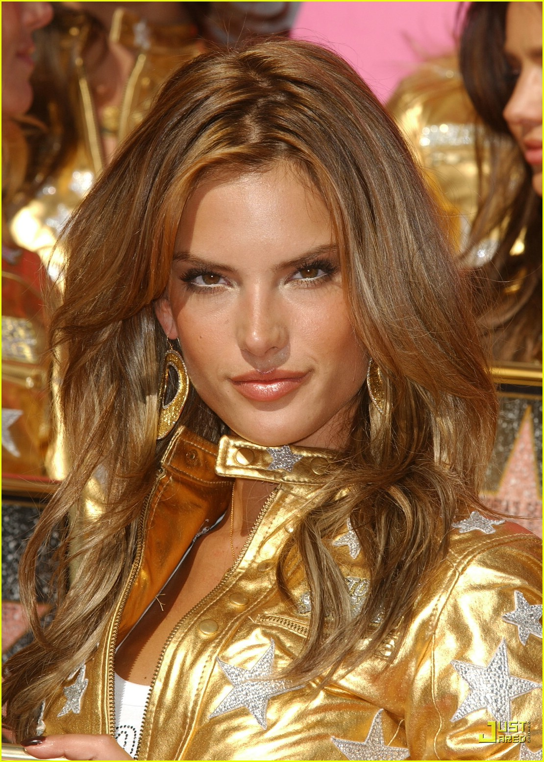 alessandra ambrosio victorias secret fashion show 2007 36