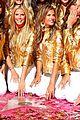 alessandra ambrosio victorias secret fashion show 2007 15