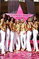 alessandra ambrosio victorias secret fashion show 2007 21