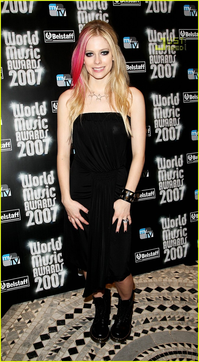 the life and music career of avril lavigne Avril lavigne signs a new record deal in my career and in my life it's also been enlightening and will reflect in my new music, artistry, life.